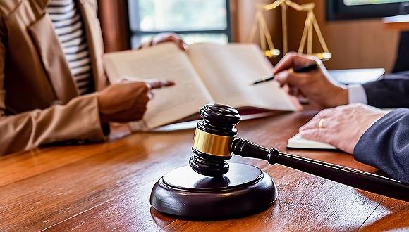 香港律师出具的法律意见书能在大陆直接用吗?