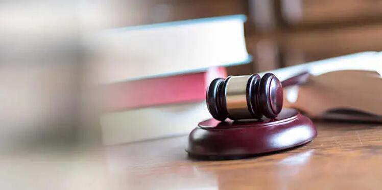 香港公司和内地公司签合同依据的是香港合同法还是中国合同法?
